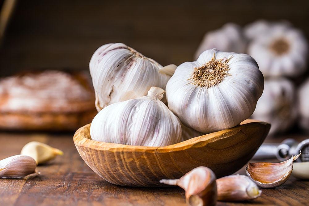 garlic clove under pillow